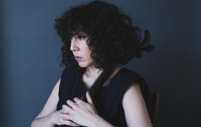 Clarice Jensen er cellist og kunstnerisk leder for American Contemporary Music Ensemble. Fredag den 24. maj gæster de kunstmuseet Louisiana.